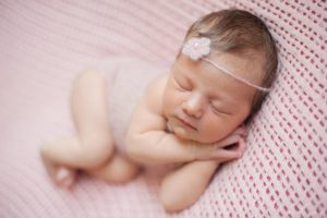 Фото младенцев в роддоме